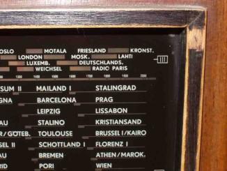 Fünnef, zwo, null, null … (Bild: www.rundfunkmuseum-brunn.de)