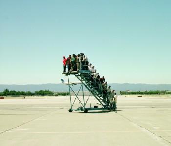 Gangway ins Nichts.  Adrian Paci, 2007